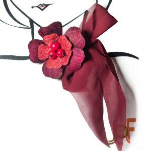 Collar Pañuelo Flor de Mango - Vino